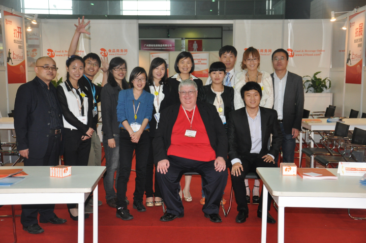 21FOOD第五届国际买家见面会:工作人员与部分买家、供应商合影