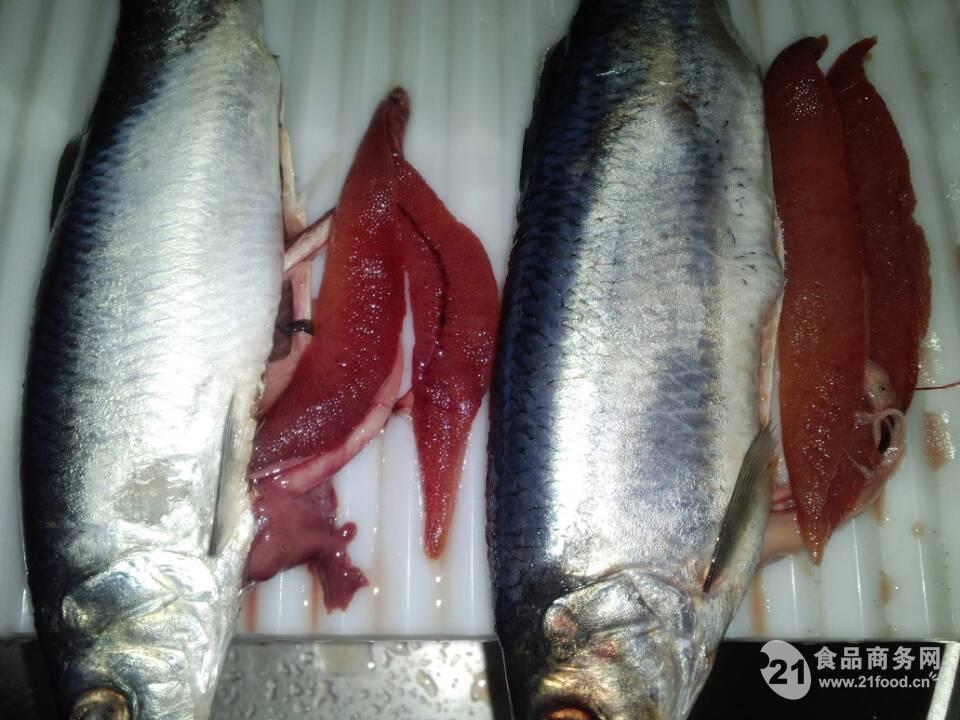 选急鲜处理的优质三文鱼,用欧洲传统热熏方法熏制加工,将浓 .